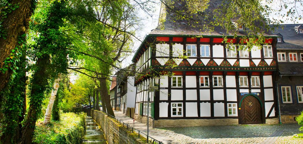 Ferienwohnung das Goslarer Runenhaus. Das Gildehaus der Tuchmacher und Walker